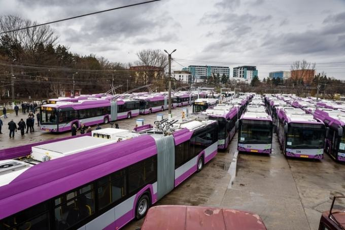 Cluj vs București. Prăpastie între Boc și Firea, la fonduri europene pentru transportul în comun: Cluj – 25 de milioane de euro, București – doar 2.283 €! 5