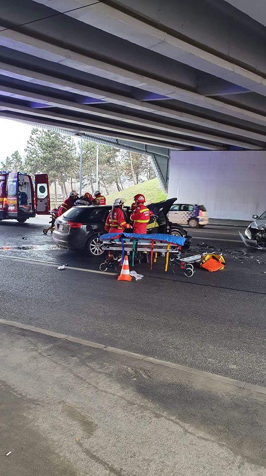 (Foto) Accident Cluj. Ciocnire violentă la Podul N, persoane rănite 2