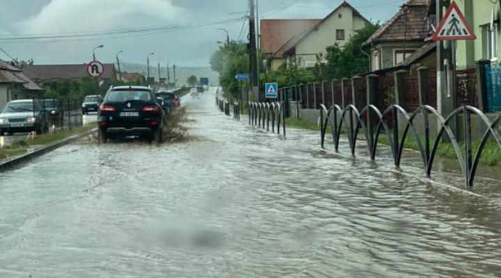 (Video) Cluj: Porțiune din E60 (Turda – Cluj) inundată! Probleme pe raza localității Tureni. 1