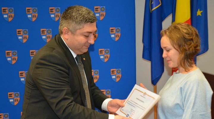 Consiliul Județean va premia elevii care au obținut media 10 la examenul de Bacalaureat 1