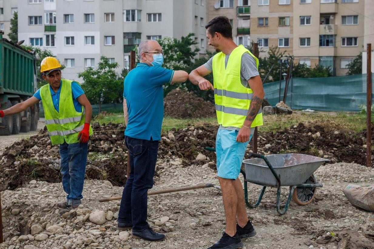 """(Foto) Cluj: Au început lucrările la Baza sportivă """"La Terenuri"""" din cartierul Mănăștur. Când vor fi finalizate lucrarile 5"""