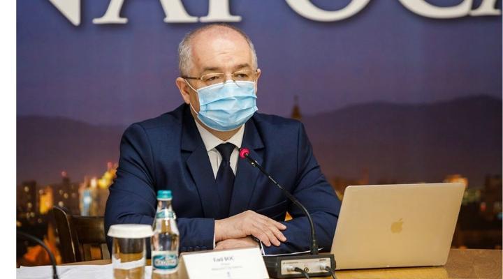 """Emil Boc spune că la Cluj cresc cazurile de coronavirus. """"Sunt puțin îngrijorat. Haideți să purtăm mască. În ultimele cinci zile am avut următoarea creștere a numărului de cazuri:"""" 1"""