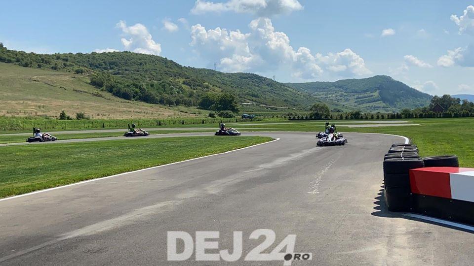 (Video) Cluj: Complex de karting, unic în Transilvania, deschis la doi pași de Dej 3