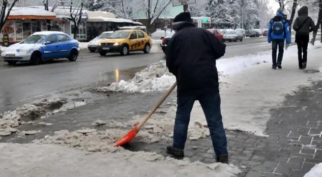 curatat trotuare gheata zapada Cluj