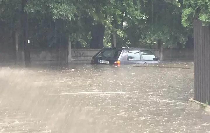 inundatie masina cluj
