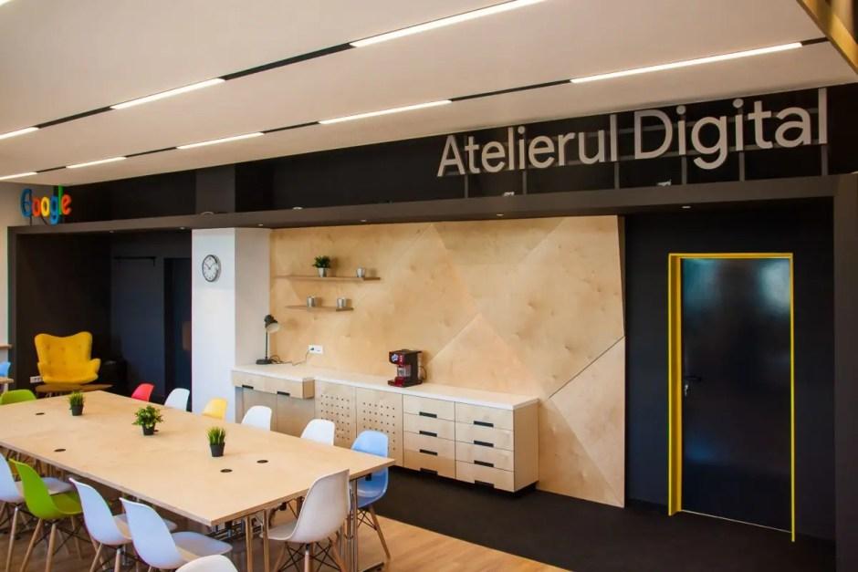 """hub-ul """"Atelierul digital pentru Programatori"""" la cluj"""