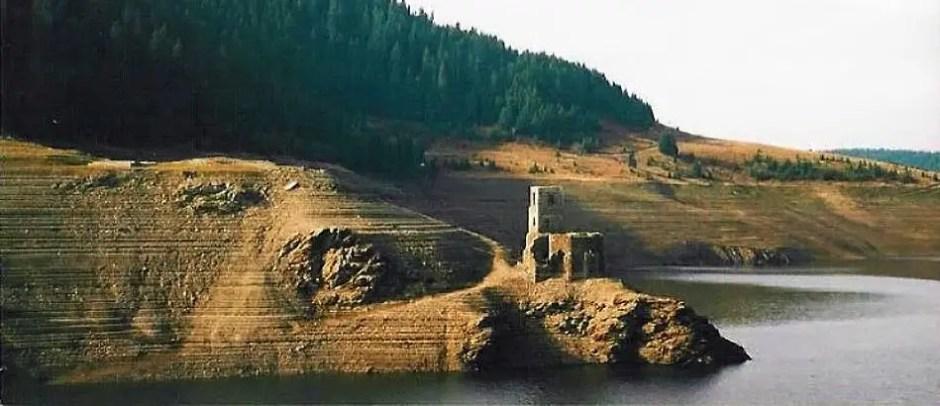 biserica lac belis