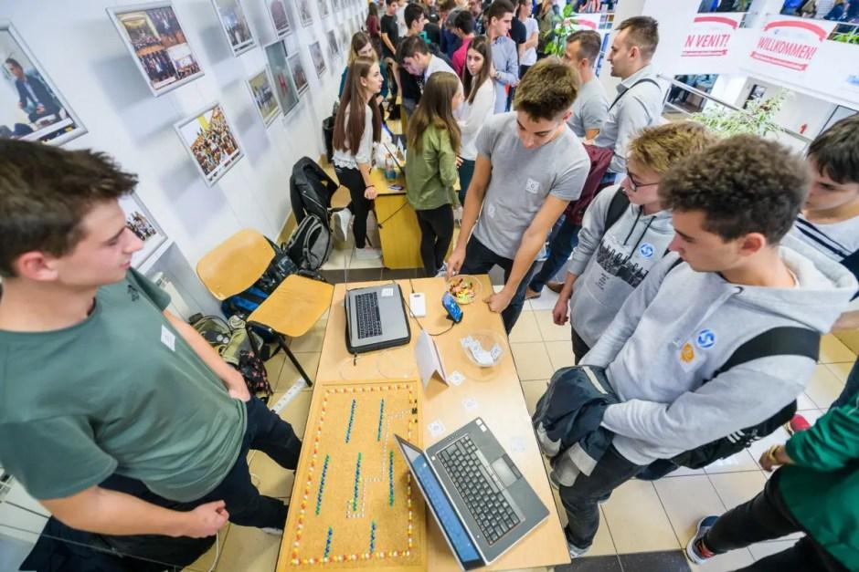 Aplicațiile viitorului, gândite și create de elevi de liceu din Cluj