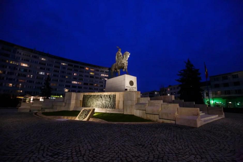 Modernizarea Pieței Mihai Viteazul din Cluj-Napoca a fost finalizată