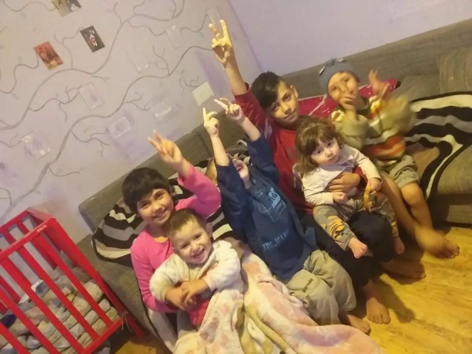 Dăruieşte o casă de Crăciun | Alex îşi doreşte o casă pentru el şi fraţii lui