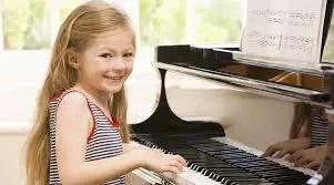 De ce sa iti inscrii micutii la cursuri de pian pentru copii?