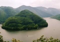 Piatra lui Dan - zona turistică din care se vede superb lacul Tarniţa din Cluj