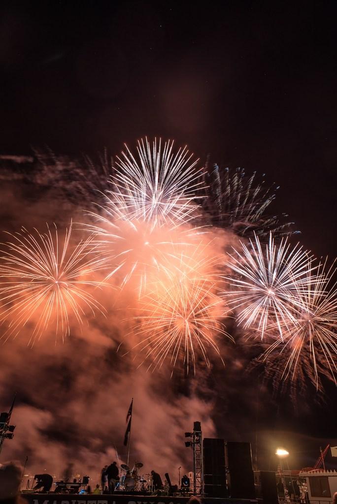 40th Anniversary Fireworks Display © Nathaniel Knobel