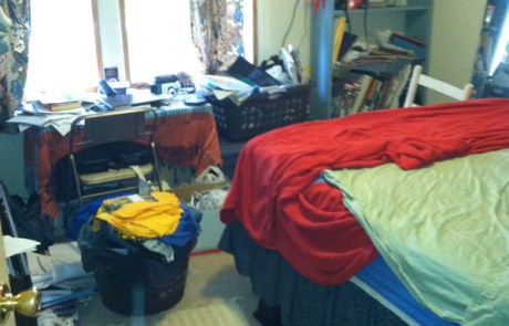 Bedroom, ready to be organized and decluttered
