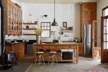 8 Ways Add Authentic Farmhouse Style Kitchen