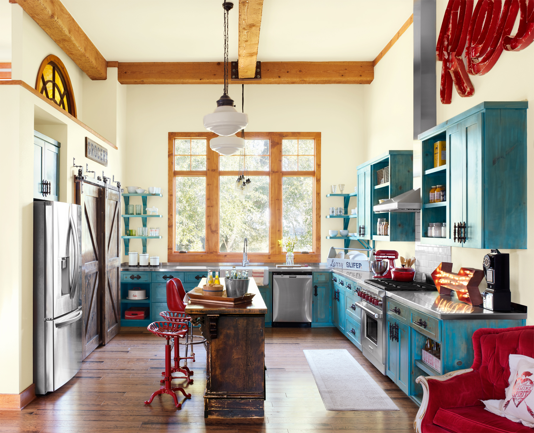 10 Ways To Add Colorful Vintage Style To Your Kitchen