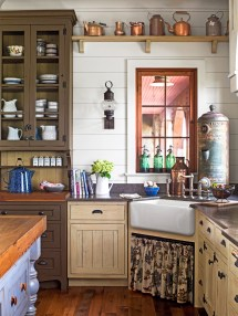 South Carolina Lake House Cabin - Rustic And Timeless