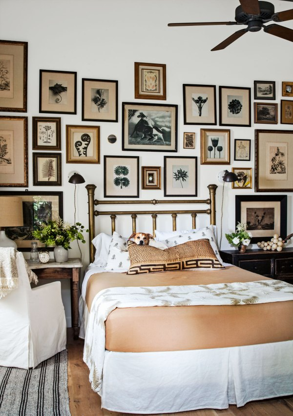 Bedroom Wall Picture Display Ideas