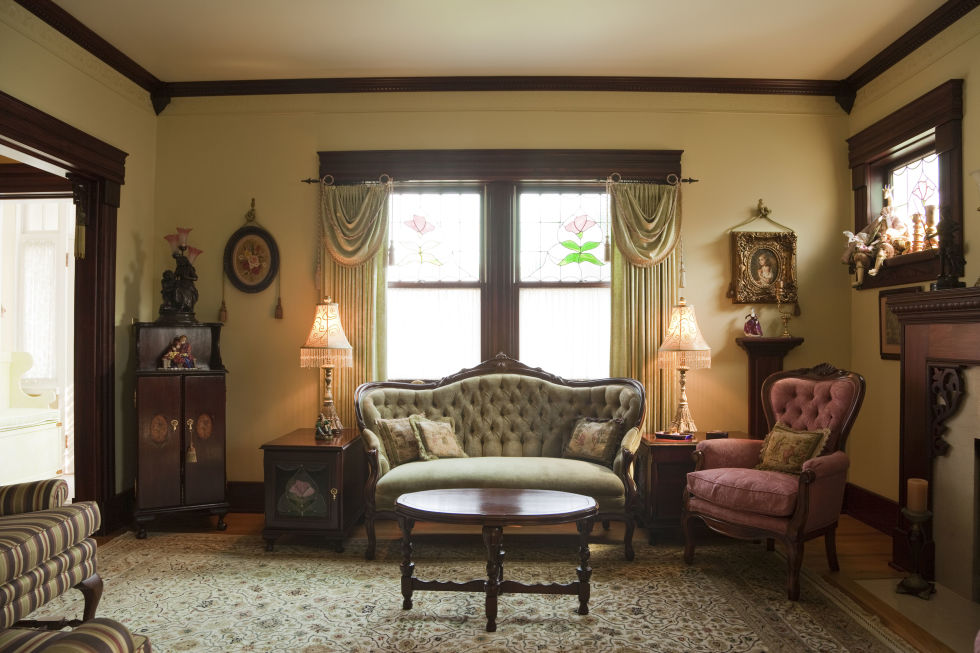 9 Things Every Old House Lover Thinks When They Walk Into One