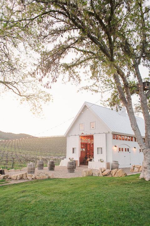30 Charmingly Rustic Barn Wedding Venues Rustic Wedding