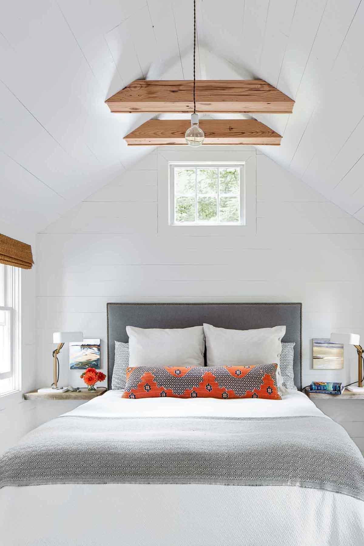 26 Best White Bedroom Ideas How to Decorate a White Bedroom