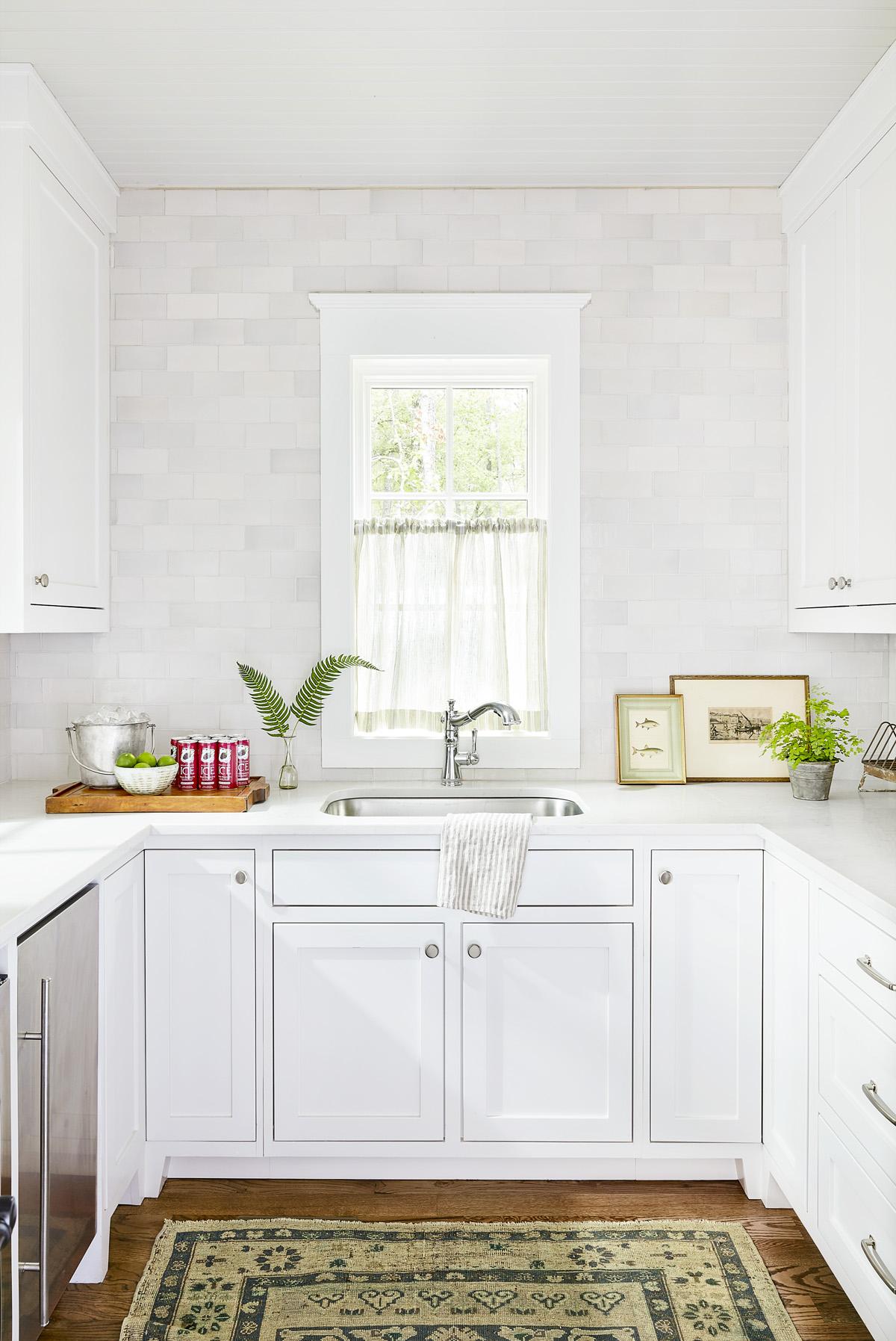 24 Best White Kitchens  Pictures of White Kitchen Design