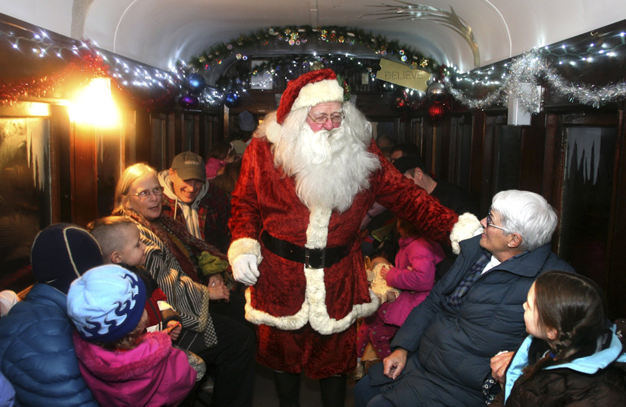 8 Best Polar Express Train Rides for Christmas 2017  Locations of Polar Express Trains