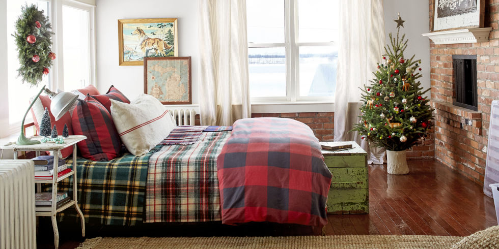 christmas bedroom decorating ideas - farmhouse christmas decorations