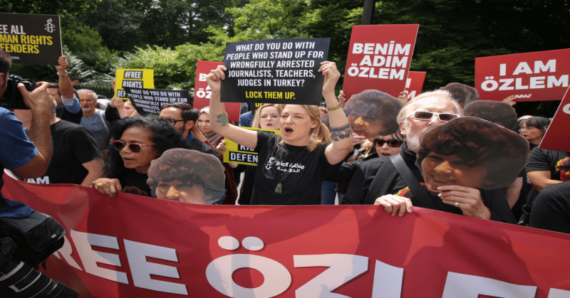 Calls for Turkey to end its imprisonment of journalists