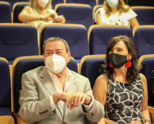 Presidente da Câmara Municipal de Belmonte, Dr. António Rocha com a Sra. Presidente da Câmara Municipal de Ponta Delgada Dra. Maria José Lemos Duarte