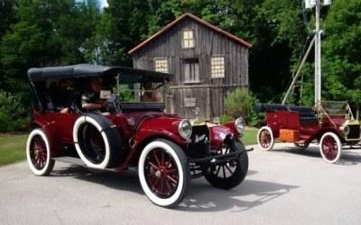 Horseless Carriage Club visits C&E Museum