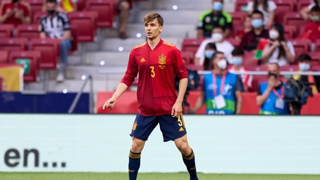 Diego Llorente in action for Spain