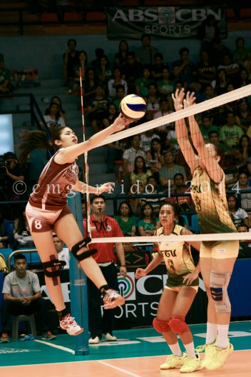 Bersola attacking the defense of the Lady Tamaraws
