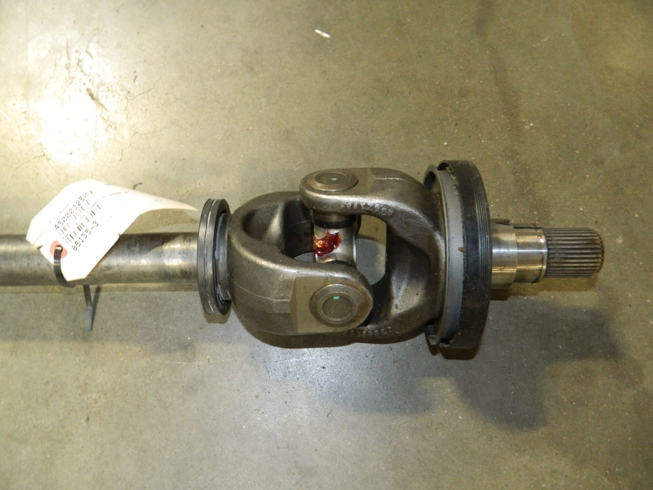 hight resolution of dana spicer right 4x4 front axle shaft ford 60 f450 f550 2004 2005 2006 2007