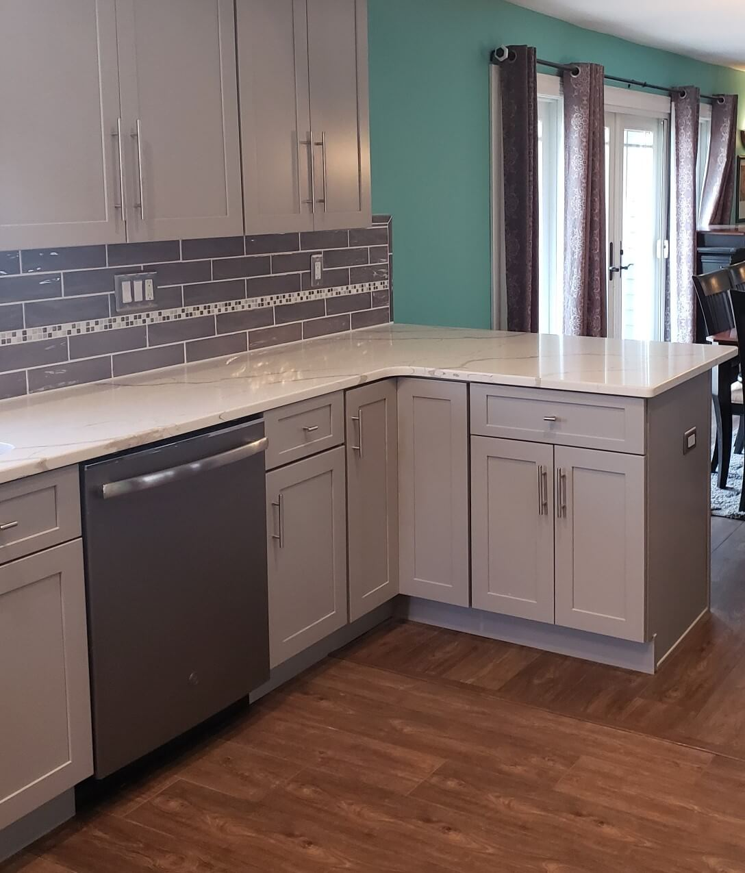 CMI Cabinets and Countertops:  Your Custom Kitchen Cabinet Maker in  Levittown