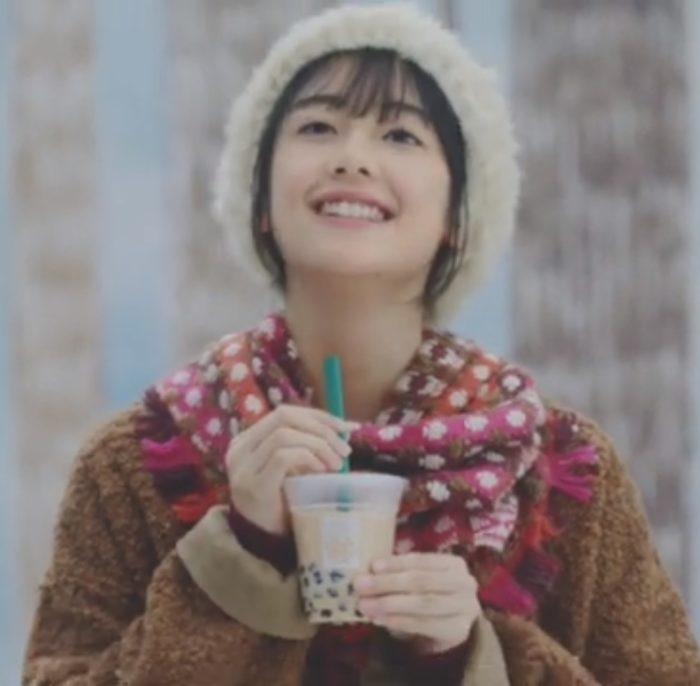 温タピCM女優は小畑依音さん!ミニストップ×タピオカミルクティーの女の子