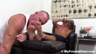 male foot worship