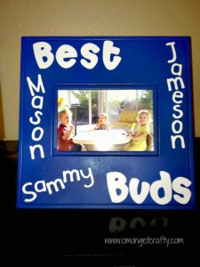 Crafty Quickie: Re-vamped Photo Frame