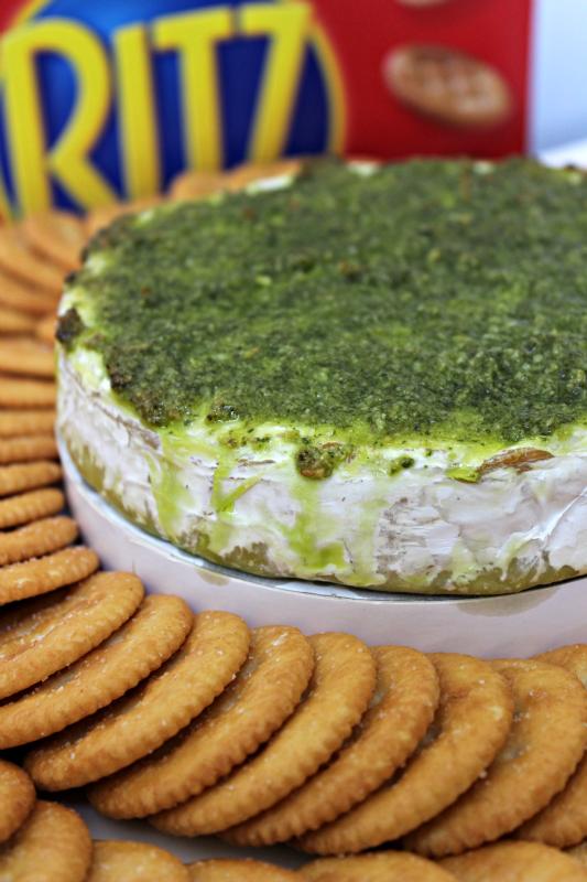 Pesto Brie and Ritz crackers