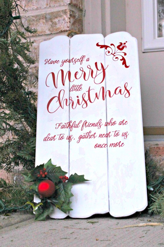 Have Yourself a Merry Little Christmas with this sign DIY inspired by Meet Me in St Louis!