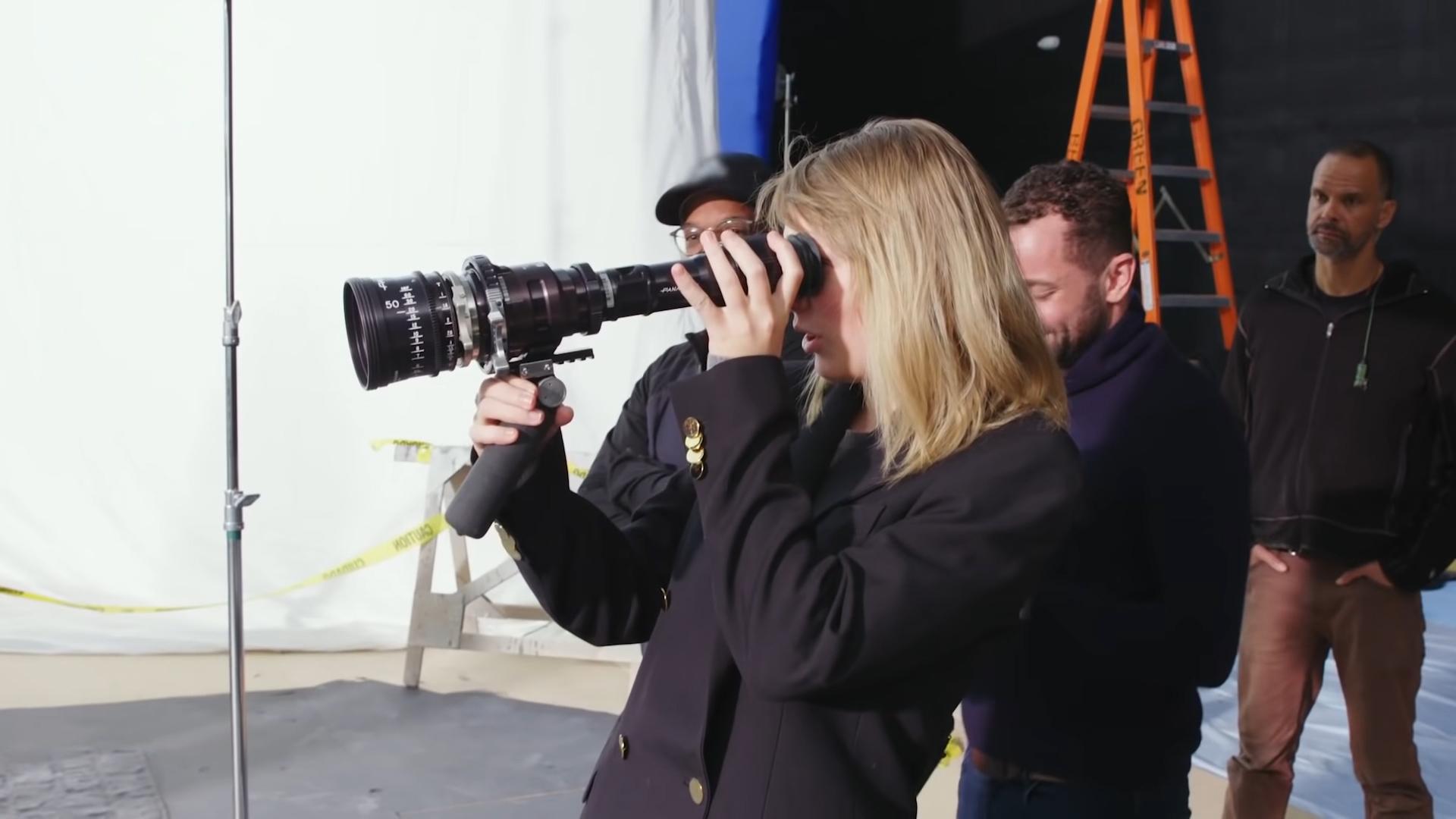Director Taylor Swift And Rodrigo Prieto Asc Amc On Making The Man The American Society Of