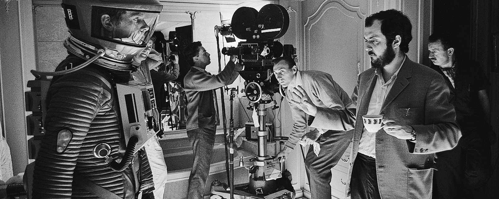 filming 2001 a space odyssey [ 1600 x 640 Pixel ]
