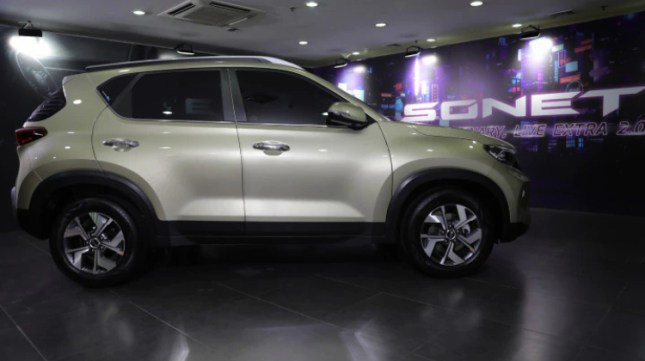 Kia Sonet 7-seat version launched in Indonesia, priced from $ 13,630-sonet-7-side-profile-179d.jpg