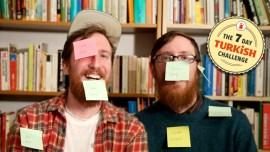 Zwillinge lernen Türkisch in einer Woche – hier ihre Methode