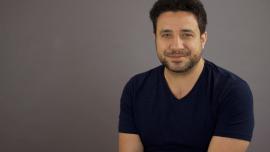 """Luca Lampariello: """"aprender 11 idiomas me enseñó 11 valiosas lecciones"""""""