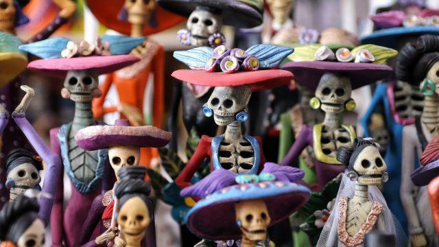 Fantasmas ao redor do mundo: Como diferentes culturas celebram seus mortos