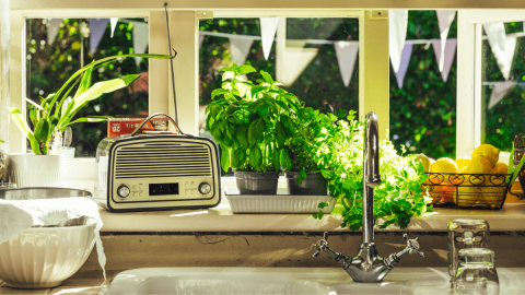 5 Radio Stations For Learning Spanish