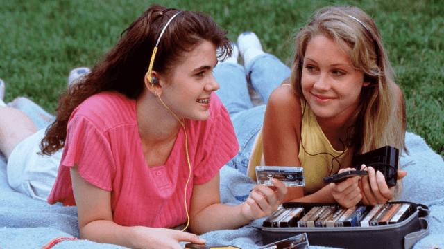 1990s Slang Phrases That Deserve To Make A Comeback