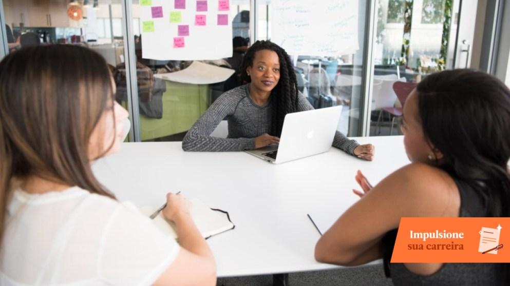 Navegando entre idiomas e diferenças culturais no ambiente de trabalho