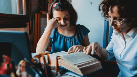 The Best Spanish Dictionaries To Use When You're Learning The Language